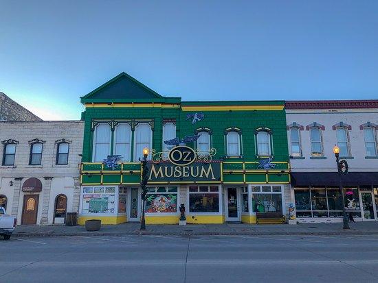 10 Museum Terbaik di Kansas